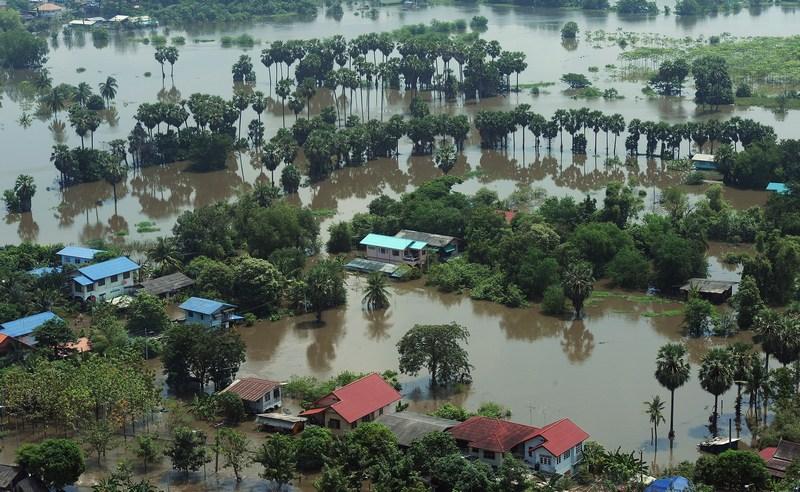 Повінь у Таїланді. Фото: CHRISTOPHE ARCHAMBAULT/AFP/Getty Images