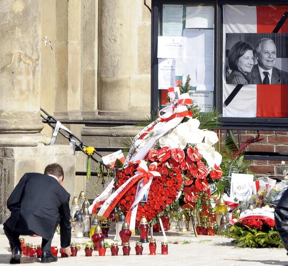 На похороны Леха Качиньского и его жены прибыл президент России Дмитрий Медведев. Фото: JANEK SKARZYNSKI/AFP/Getty Images