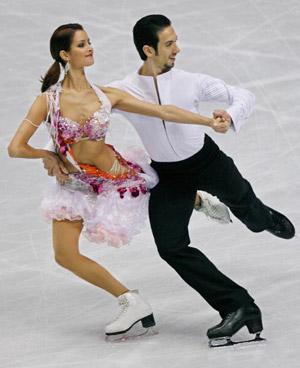 Американські фігуристи Tanith Belbin і Benjamin Agost на чемпіонаті в Токіо. Фото: TORU YAMANAKA/AFP/Getty Images