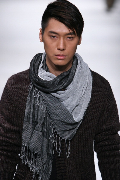 Презентація колекції від Liu Yong на Тижні моди в Пекіні. Фото Str/afp/getty Images