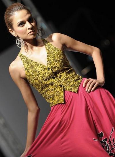 Пакистанское модное дефиле. Фото: AFP