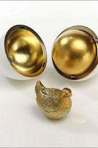"""Пасхальное яйцо Фаберже """"Яйцо с курицей"""" (Первое яйцо). Фото с сайта fabergeimperialeastereggs.ru"""