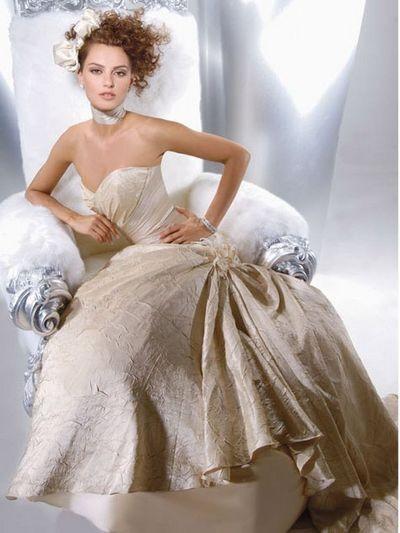 Свадебные платья Demetrios. фото с efu.com.cn