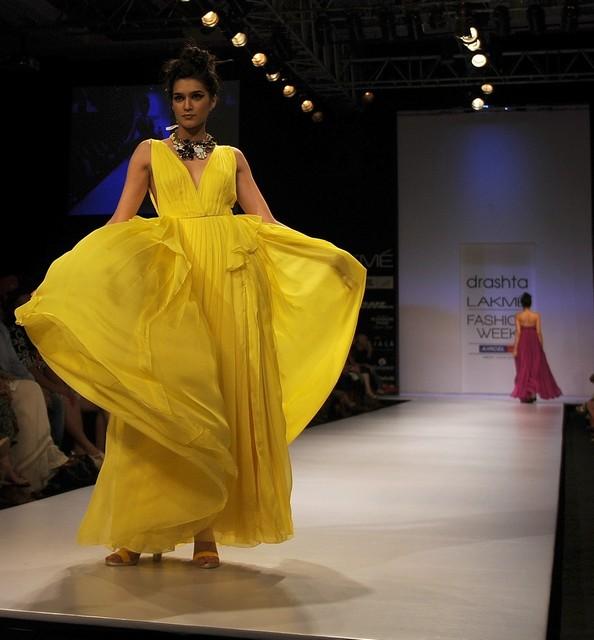 Индийская неделя моды Lakmé Fashion Week. Фото: PUNIT PARANJPE/AFP/GettyImages