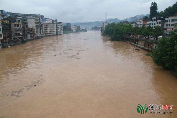 Сильный паводок в уезде Суйдин провинции Хунань. Фото с epochtimes.com