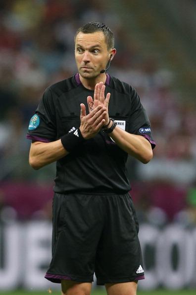 Судья Стефан Ланнуа во время матча Германия — Италия на Национальном стадионе в Варшаве, 28июня 2012года. Фото: Joern Pollex/Getty Images