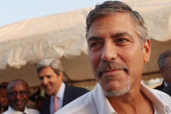 Американский актер Джордж Клуни принял участие в референдуме о независимости Южного Судана в столице Джубе, сегодня 9 января 2011 года. Фото: Spencer Platt/Getty Images