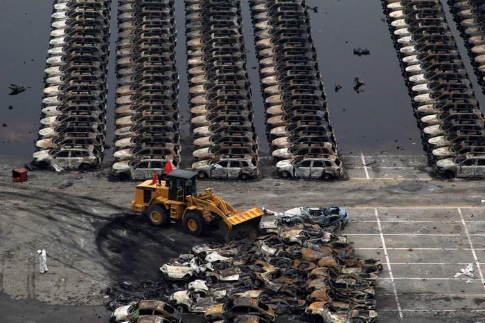 Кадри з «китайського Чорнобиля», м. Тяньцзінь, серпень 2015 року. Фото: STR/AFP/Getty Images