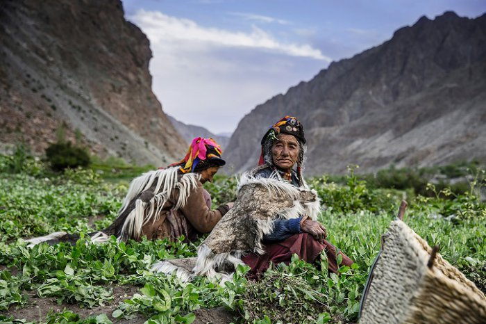 Переможець категорії «Народи, що вимирають», «Робота в горах», Тетяна Шарапова, Росія. Фото: photocontest.cgap.org