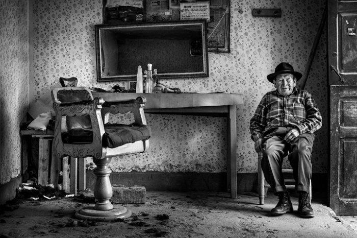 Победитель региона «Латинская Америка и Карибский бассейн», «Элеутерио-парикмахер», Давид Мартин Хуамани Бедойя, Перу. Фото: photocontest.cgap.org