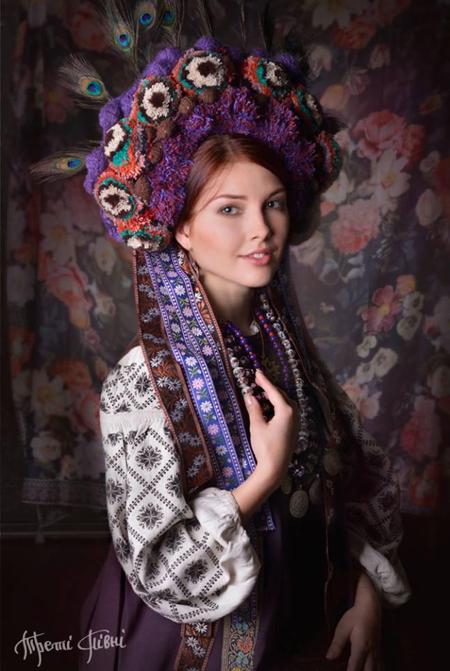 Елена в свадебном наряде с Полтавщины. Художественный образ. Фото: facebook.com/TretiPivni