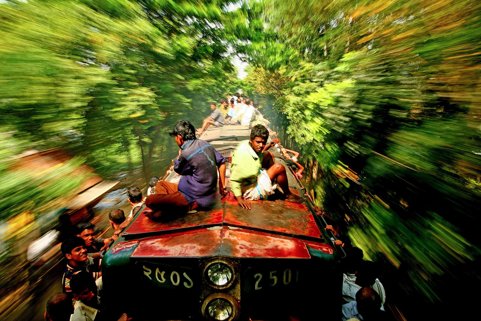 «Нема за що триматися». Перше місце в номінації «Подорожі людей». Фото: GMB Akash