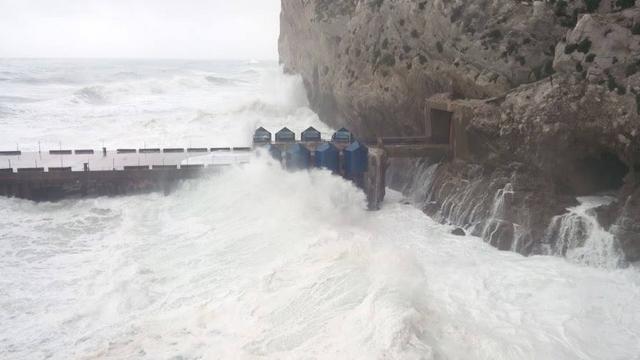 Фото: Eco Wave Power/facebook.com