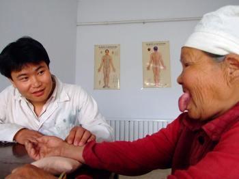 Как определить болезнь внутренних органов по налету и трещинам на языке