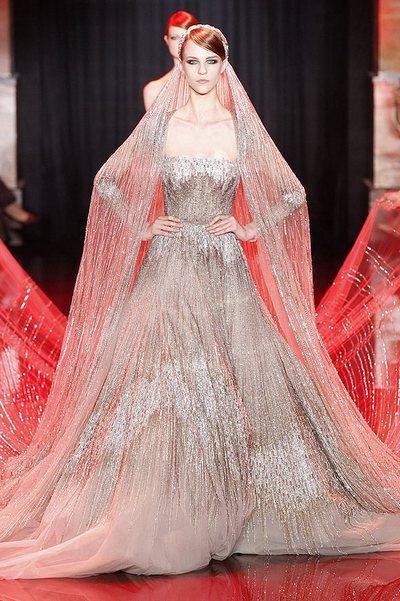 Эли Сааб: свадебное платье. Фото: nickverrreos.blogspot.com