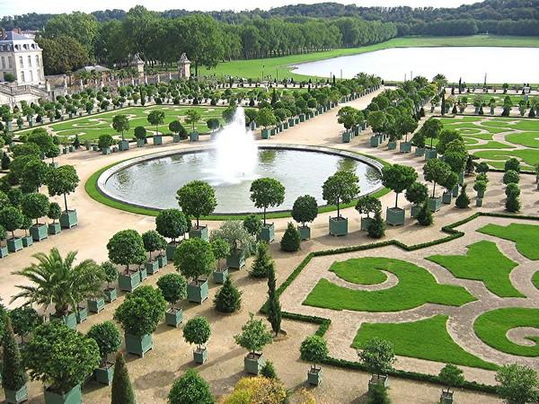 Дизайн сада: классический французский стиль.