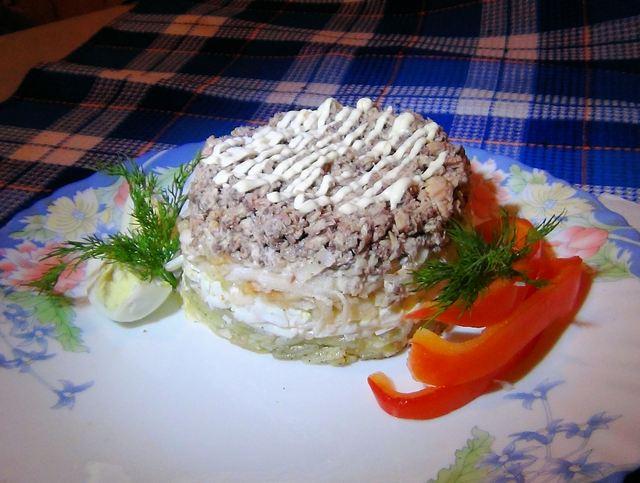 Смачний салат з риби 'Магнолія'. Фото: Карина Сафєдінова/Велика Епоха