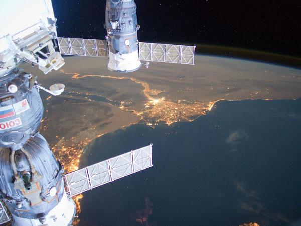 Фотографии космоса. Ближний Восток ночью.