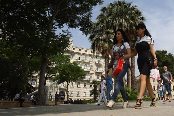 На улицах Баку. Фото: Alexander Hassenstein/Getty Images