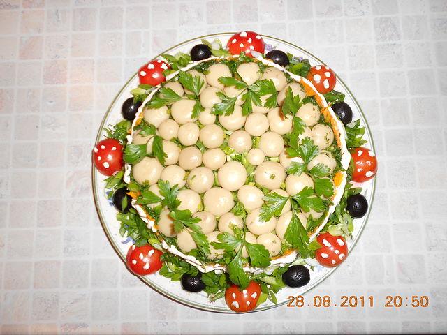 Смачний салат із грибів 'Грибна галявина'. Фото: mykaleidoscope.ru