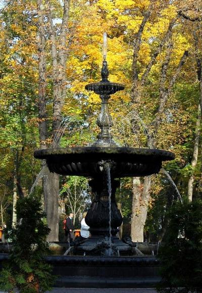 Достопримечательности Киева: Мариинский парк. Фото: 777-konstantin.blogspot.com
