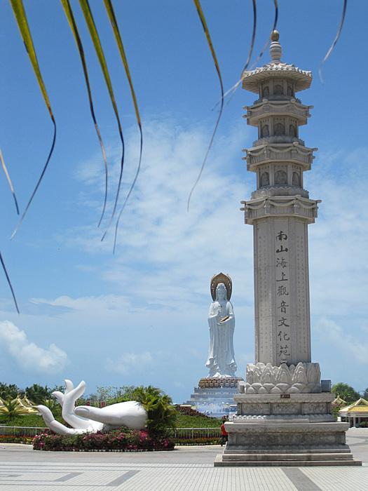 Теги: архитектура, китай, красота, отдых, отпуск, природа, прогулка, путешествия, хайнань, центр буддизма
