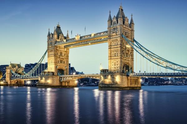 Одна из достопримечательностей самого красивого города в мире — Тауэрский мост.