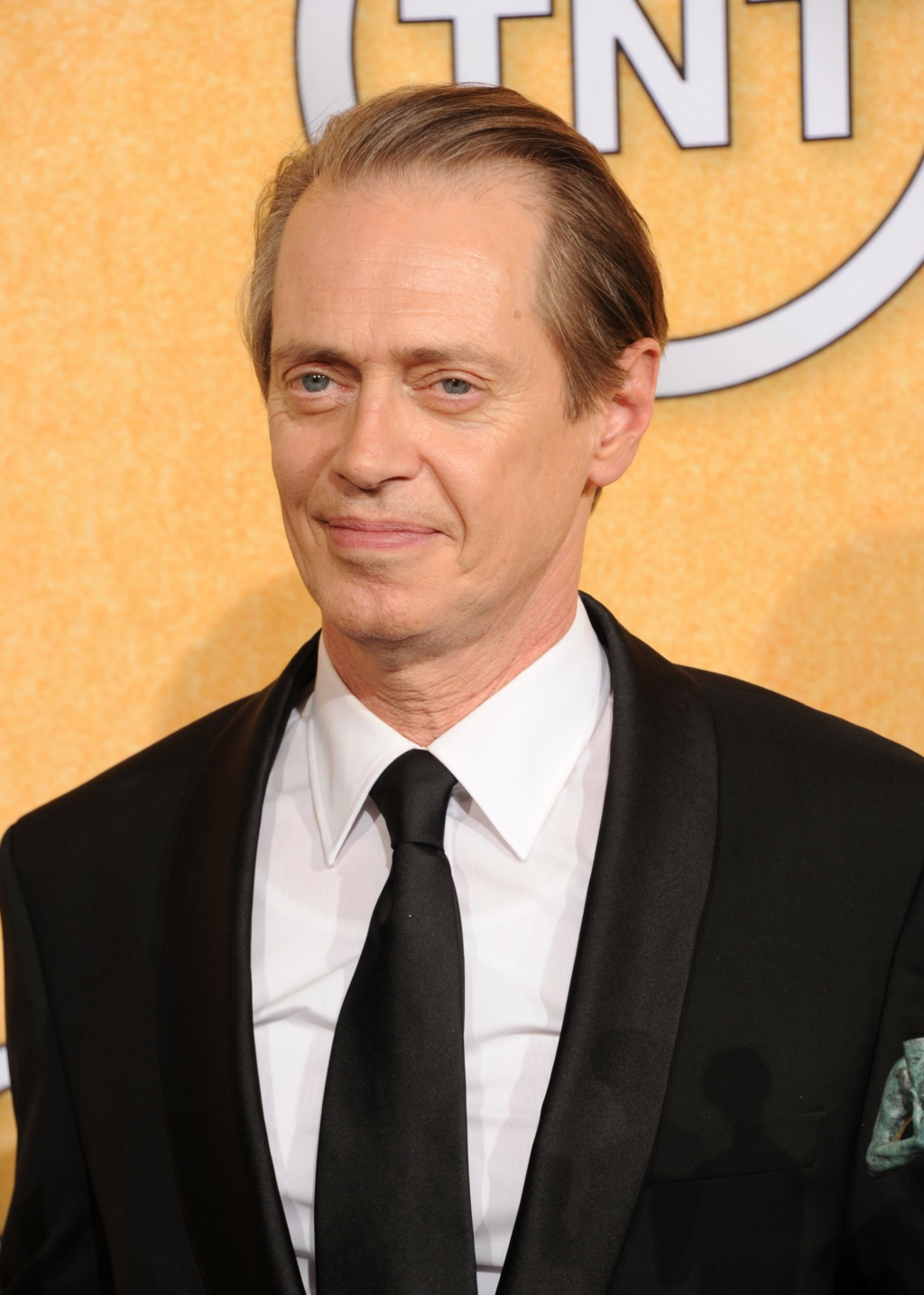 Стив Бушеми — лучший актёр телесериала за роль в «Подпольной империи», которая также была награждена за лучший актёрский состав