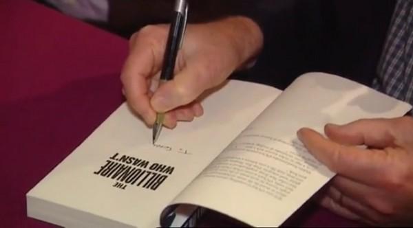 Необычные люди: Чак Фини ― самый скромный миллиардер. Кадр из фильма «Secret Billionaire: The Chuck Feeney Story».  Изображение: Youtube.com