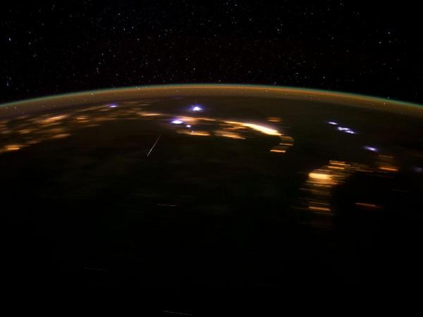Фотографии космоса. Метеор из потока Лиридов.