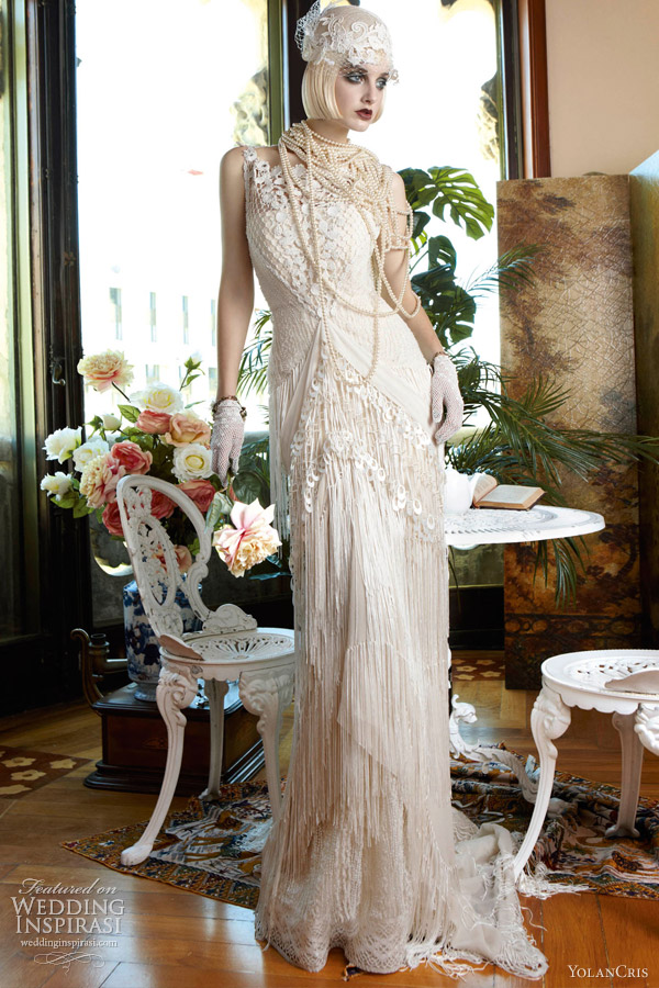f0c59d93914 Бренд Yolan Cris  винтажное свадебное платье. Фото  weddinginspirasi.com