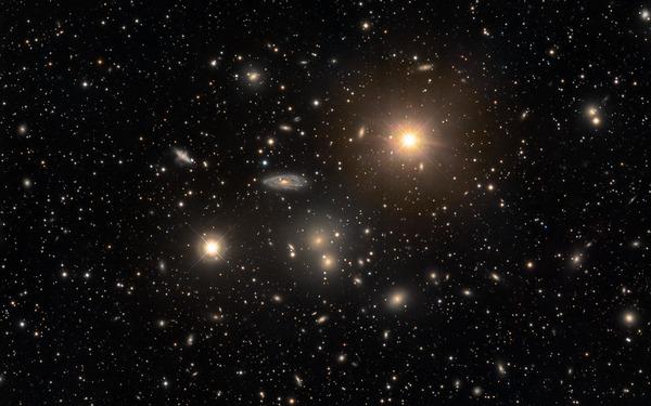 Фотографии космоса. Скопление галактик в созвездии Гидры.