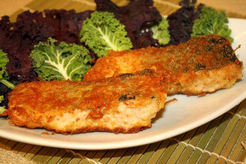 Рыба жареная с сыром в сухарях