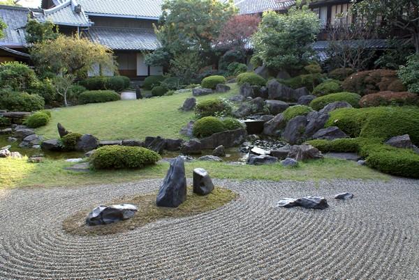 Дизайн сада в японском стиле.