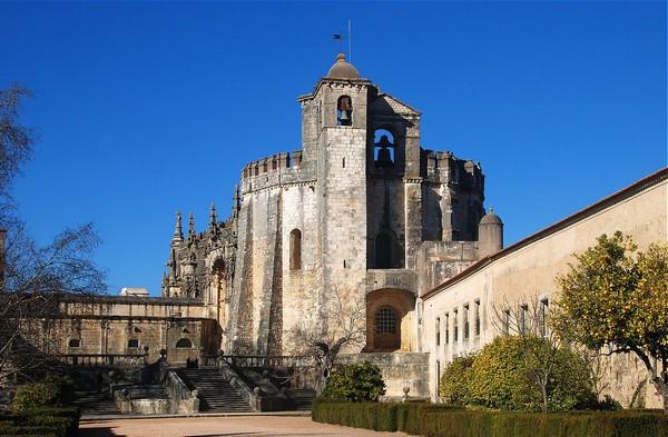 Крепость тамплиеров в Португалии.