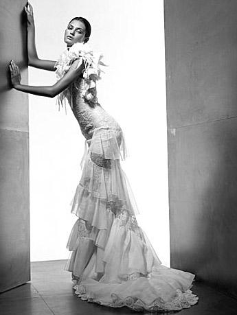 Valentino: весільні сукні. Фото: efu.com.cn